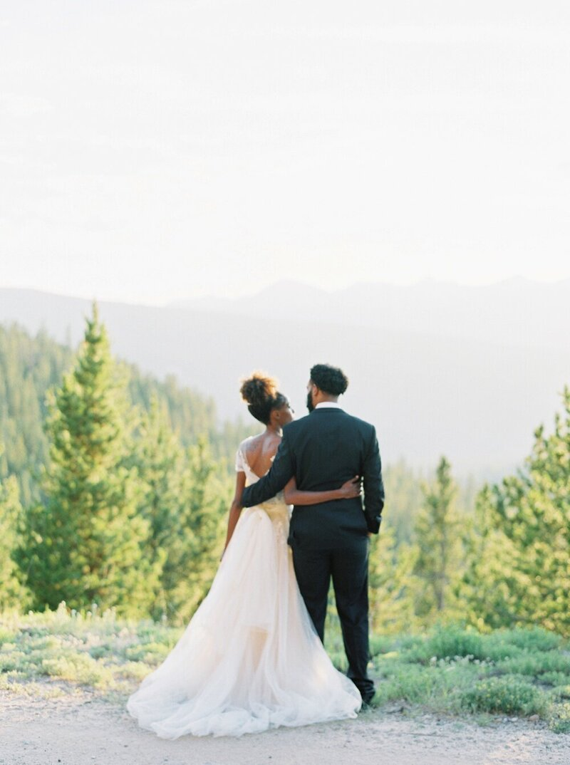 Refined and Organic Wedding in the Heart of Colorado_0032