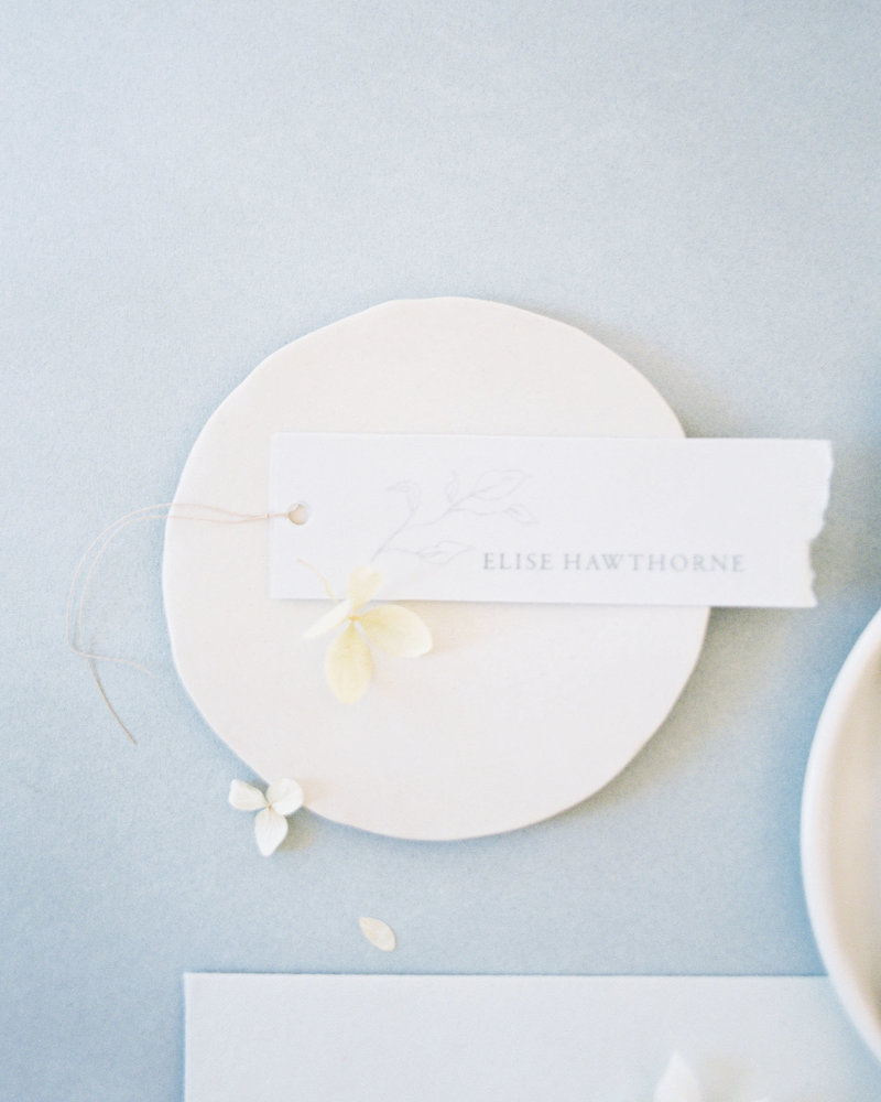 Dominique Alba minimalist place card with vellum