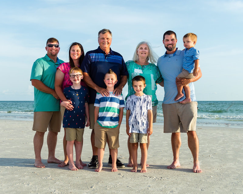 Large family portrait on Siesta Key Beach