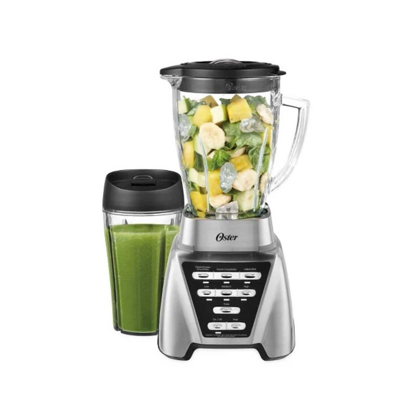 standard blender for $79 making smoothies
