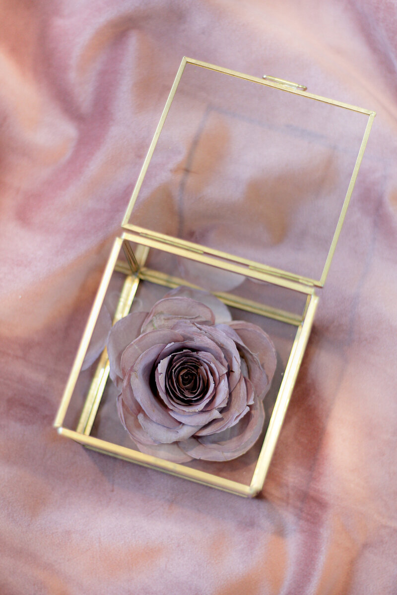 greenwich-new-york-preservation-floral-wedding-westchester-bouquet-rose-preserved-6