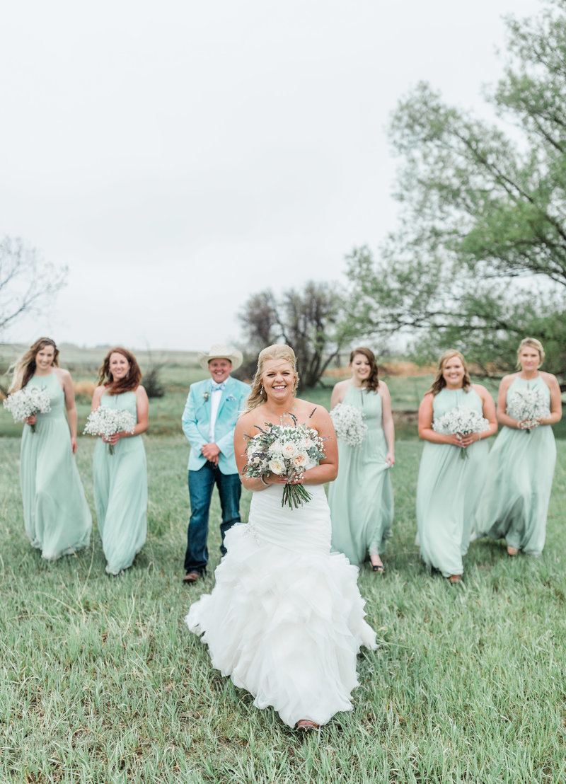 colorado bride with bridesmaids