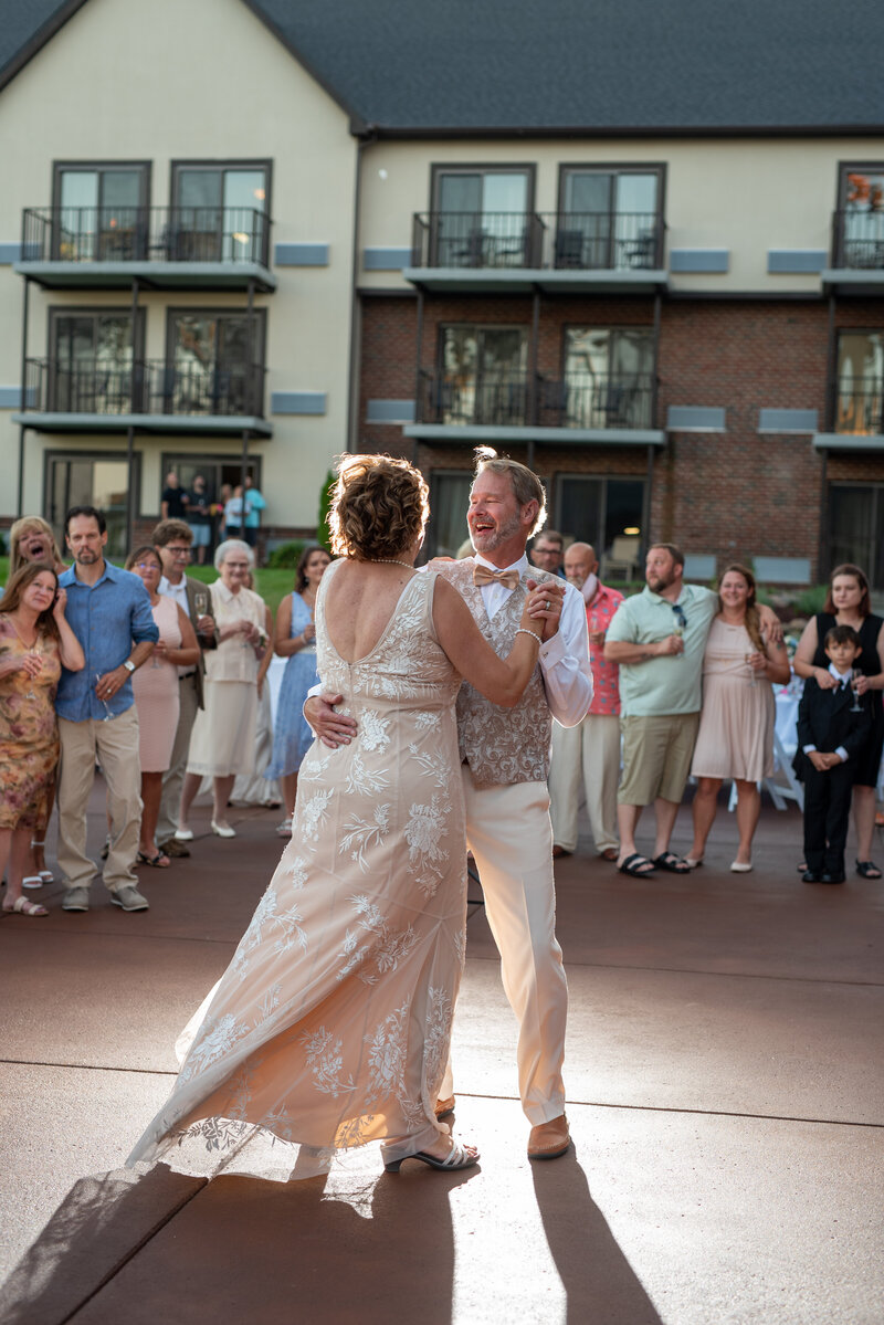 Blue-water-inn-metro-Detroit-Wedding-Photographer-1143