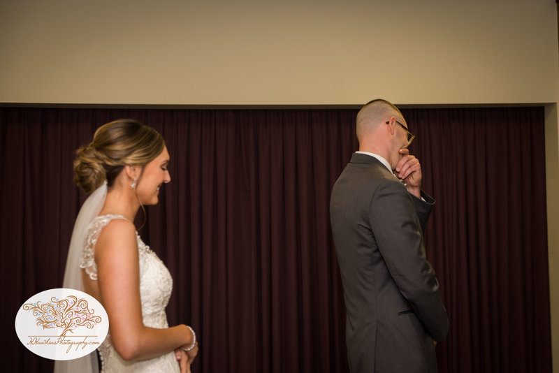 Belhurst Castle Pictures Geneva NY Syracuse Wedding Photographer-17