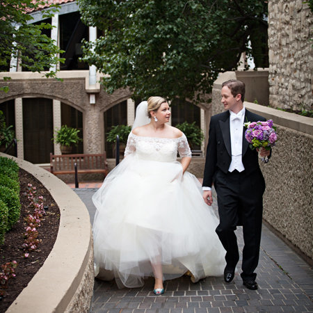 Wedding couple who was married at the Carriage Club writes photographer a review