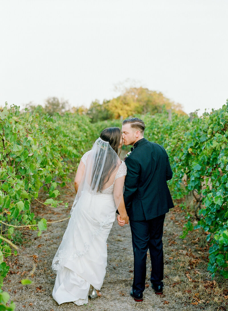 stephanie-aaron-wedding-vineyards-at-chappell-lodge-94