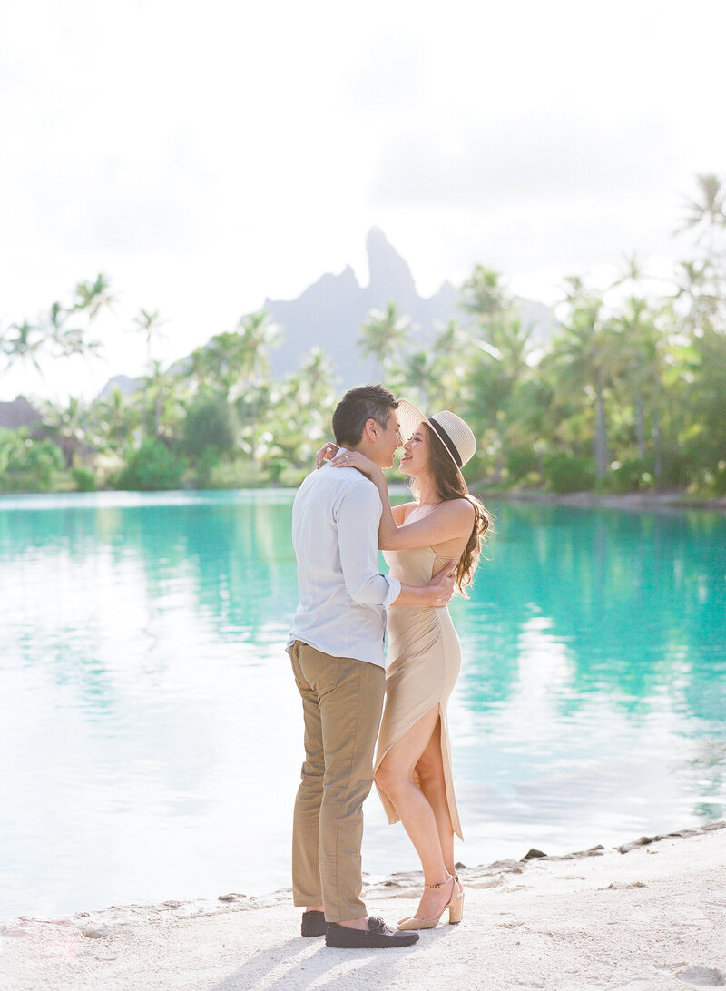 Couple photo shoot at The St Regis Lagoonarium with mount otemanu view
