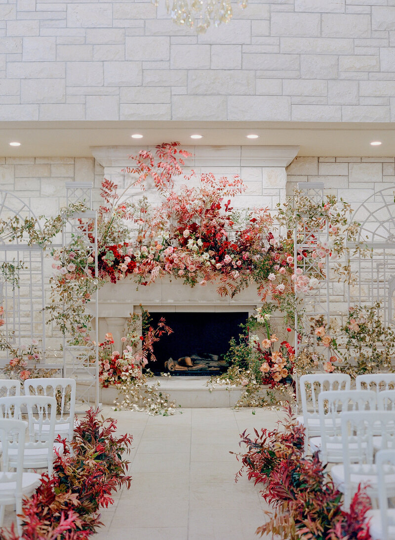 max-owens-design-fall-wedding-jose-villa-fireplace