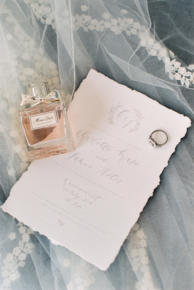 Wedding perfume and details