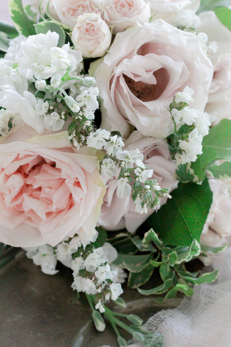 florist-greenwich-new-york-connecticut-designer-preservation-floral-wedding-westchester-bouquet-cream-blush-3