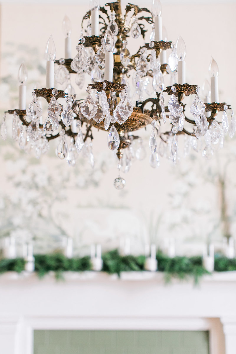 Warrenwood Manor - Kentucky Wedding Venue - Chandeliers