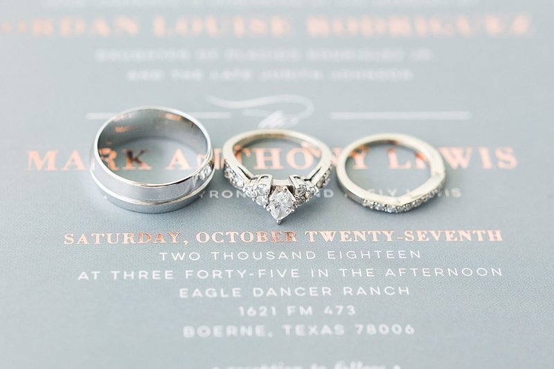 Eagle Dancer Ranch in Boerne Texas Wedding Venue photos by Allison Jeffers Photography_0004