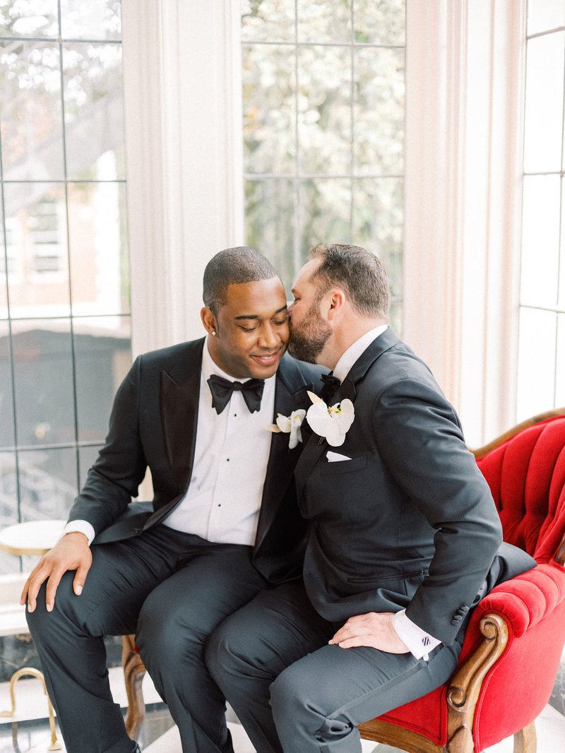 hunter-tristan-your-jubilee-chiarashine-photography-fine-art-lgbt-wedding-kohl-mansion-27