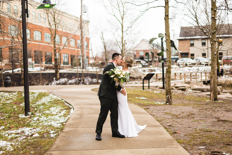 christine-anton-winter-wedding-columbus-8035