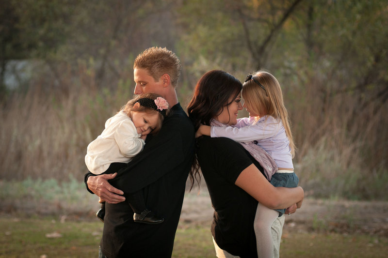 Family Photoshoot by One Shot Beyond Photography in orange County, California