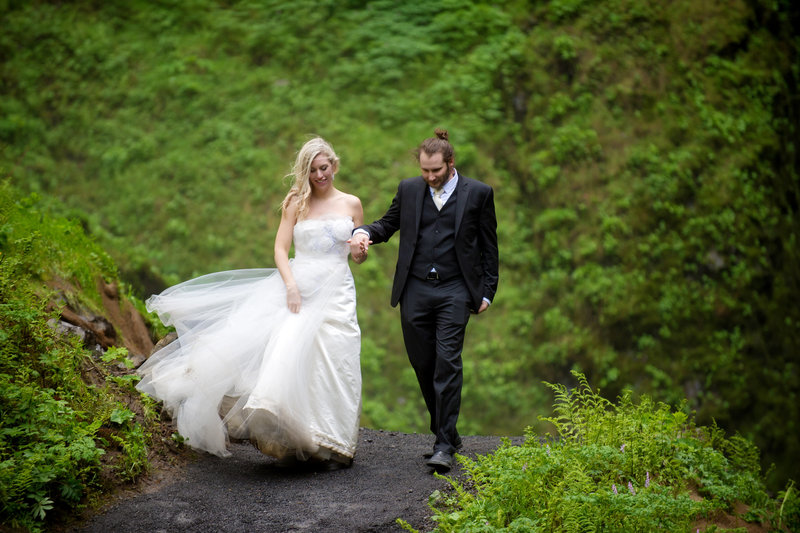Crystal Genes Photography LATOURELL FALLS ELOPEMENT170421-155411