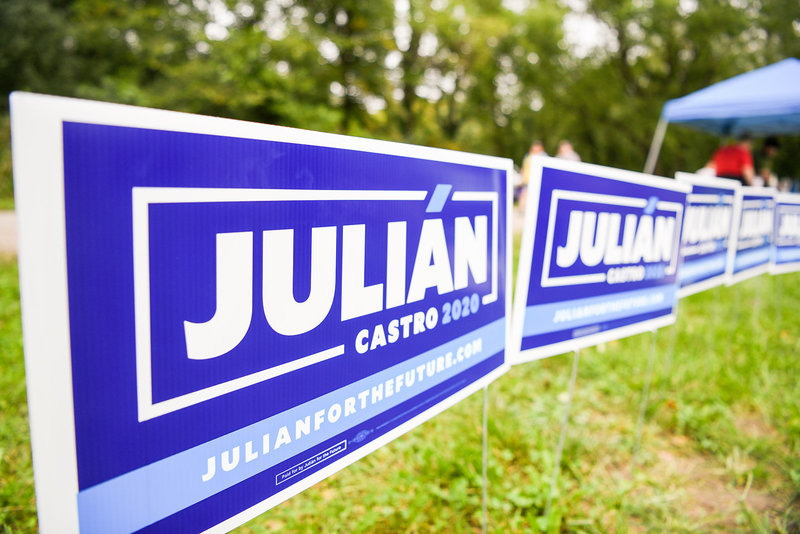 Julian Castro 2020 democratic primary yard signs