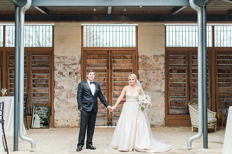 The Ingenhuette on High in Comfort Texas Wedding Venue photos by Allison Jeffers Photography_0039