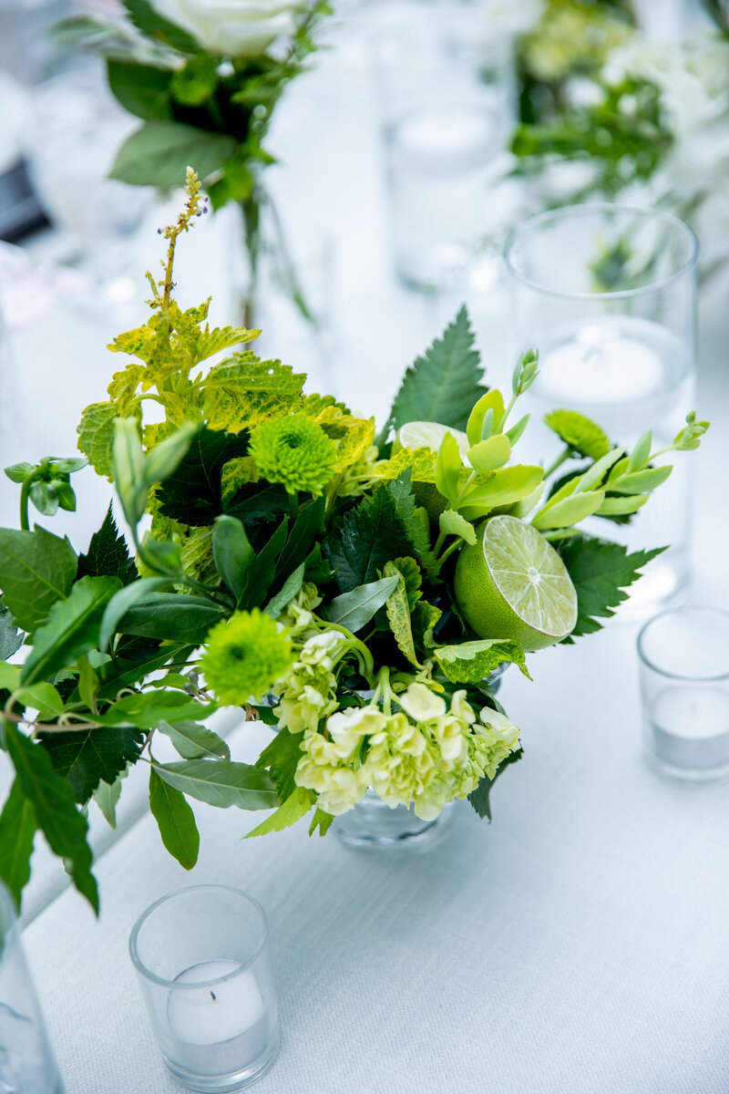 Grand-Rapids-Rooftop-Wedding-lime-green-compote