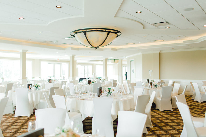 Glen-Oaks-Country-Club-West-Des-Moines-IA-Wedding-J+A-226421