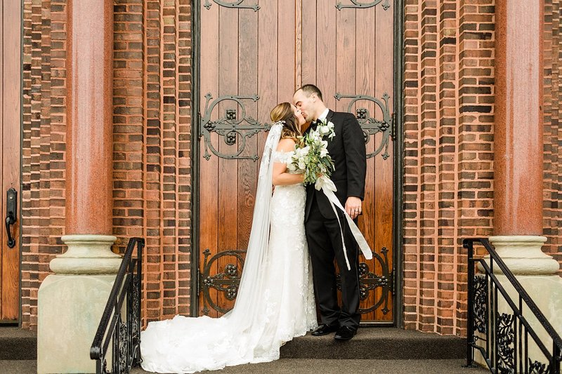 26_Church-of-the-Resurrection-Catholic-Church-Classic-Wausau-Church-Wedding-James-Stokes-Photography