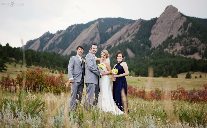 Flatiron-Mountain-Backdrop-Wedding-Portrait-at-Chautauqua