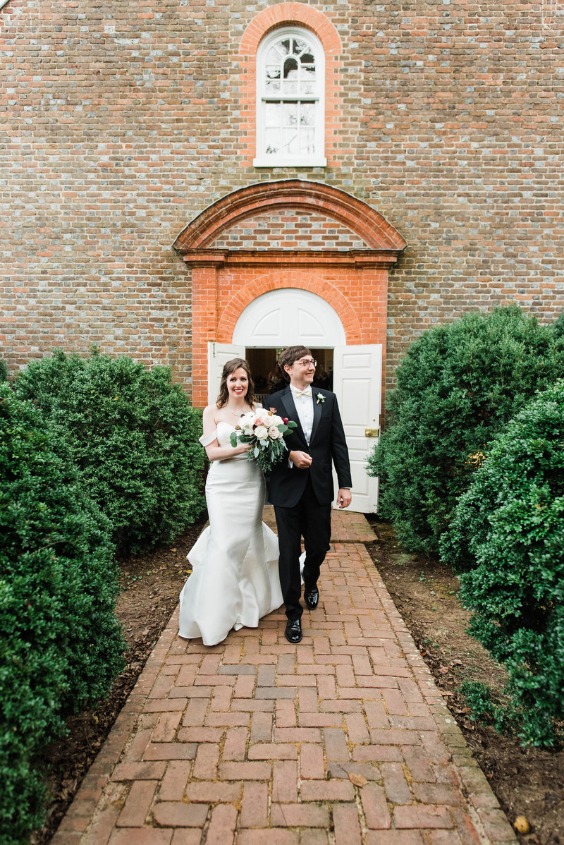Juliette + Kevin-Upper-Shirley-Vinyards-Charles-City-Virginia-Wedding_Gabby Chapin Photography_00467