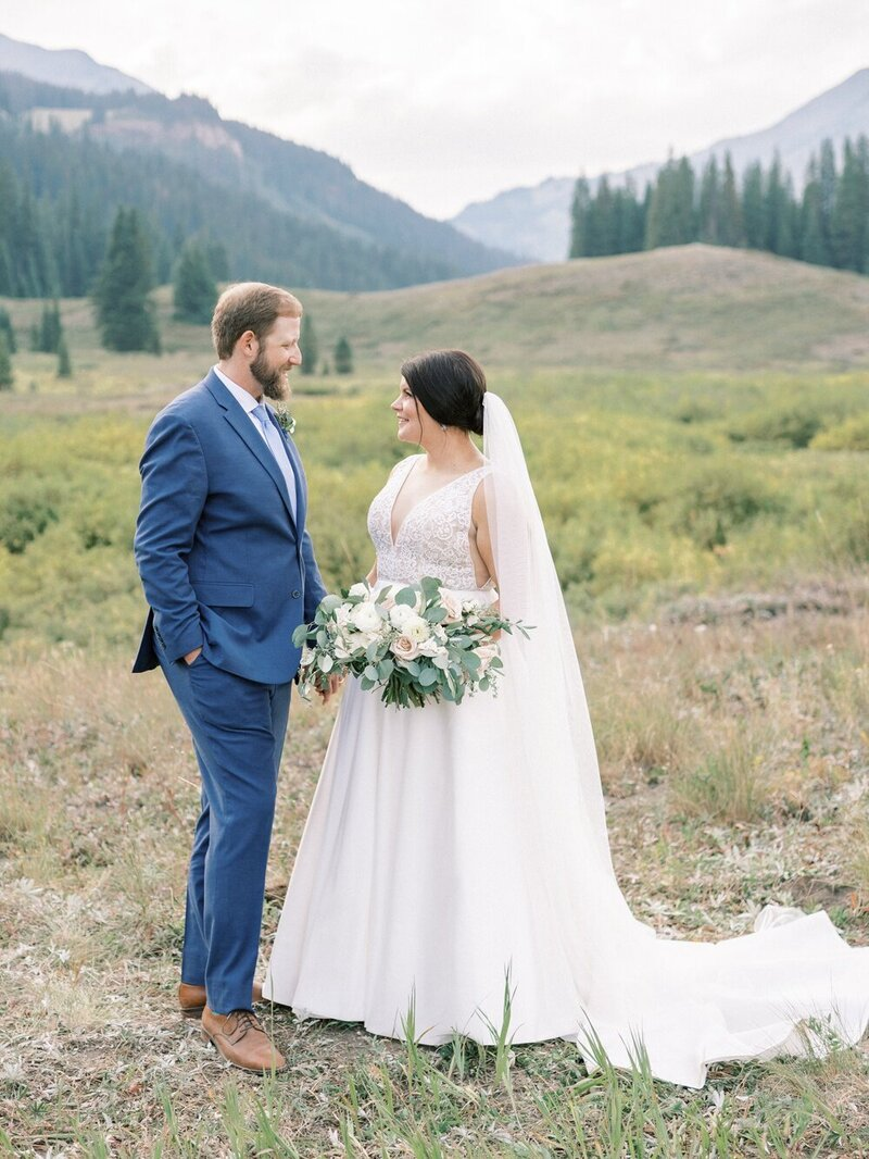 Joyful and Playful Wedding in Crested Butte_0026