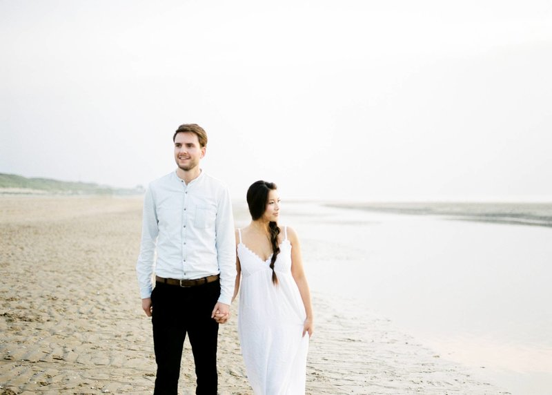Lin & Marijn | engagement session photography at the beach the netherlands2