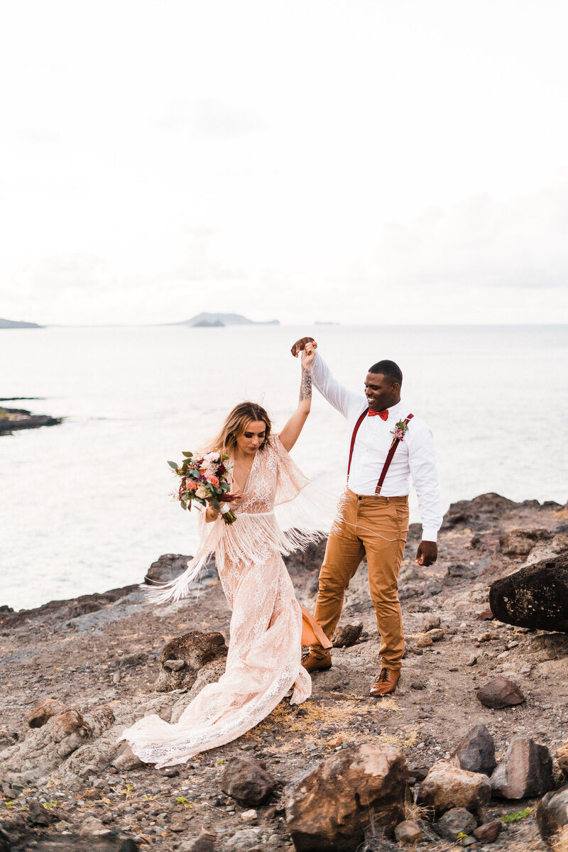 hawaii-elopement-photographer-makapuu-lookout-1