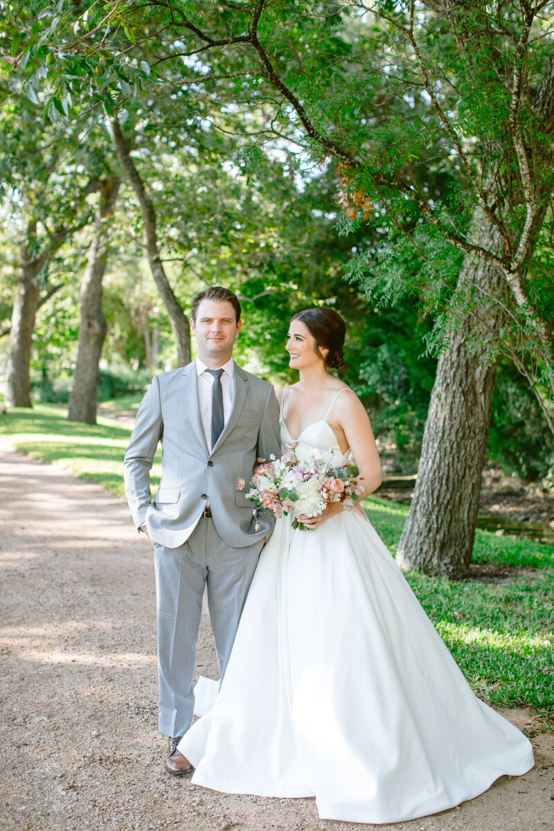 maggie-brent-pecan-spring-branch-wedding-contigo-ranch-frederickburg-49