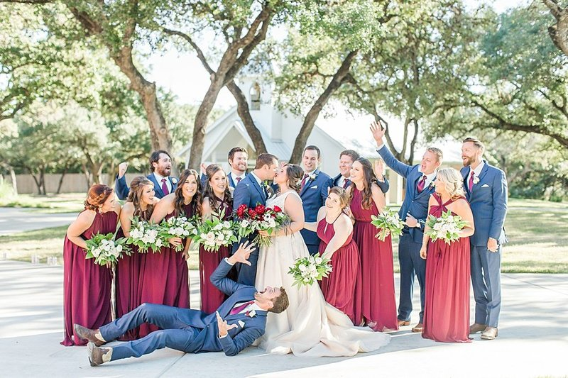 The Chandelier of Gruene in New Braunfels Texas Wedding Venue photos by Allison Jeffers Photography_0035