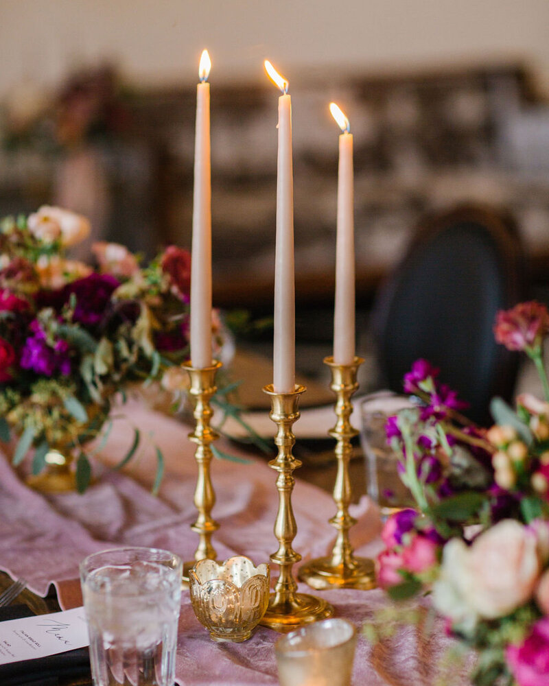 blush-taper-candle-gold-candlestick-wedding