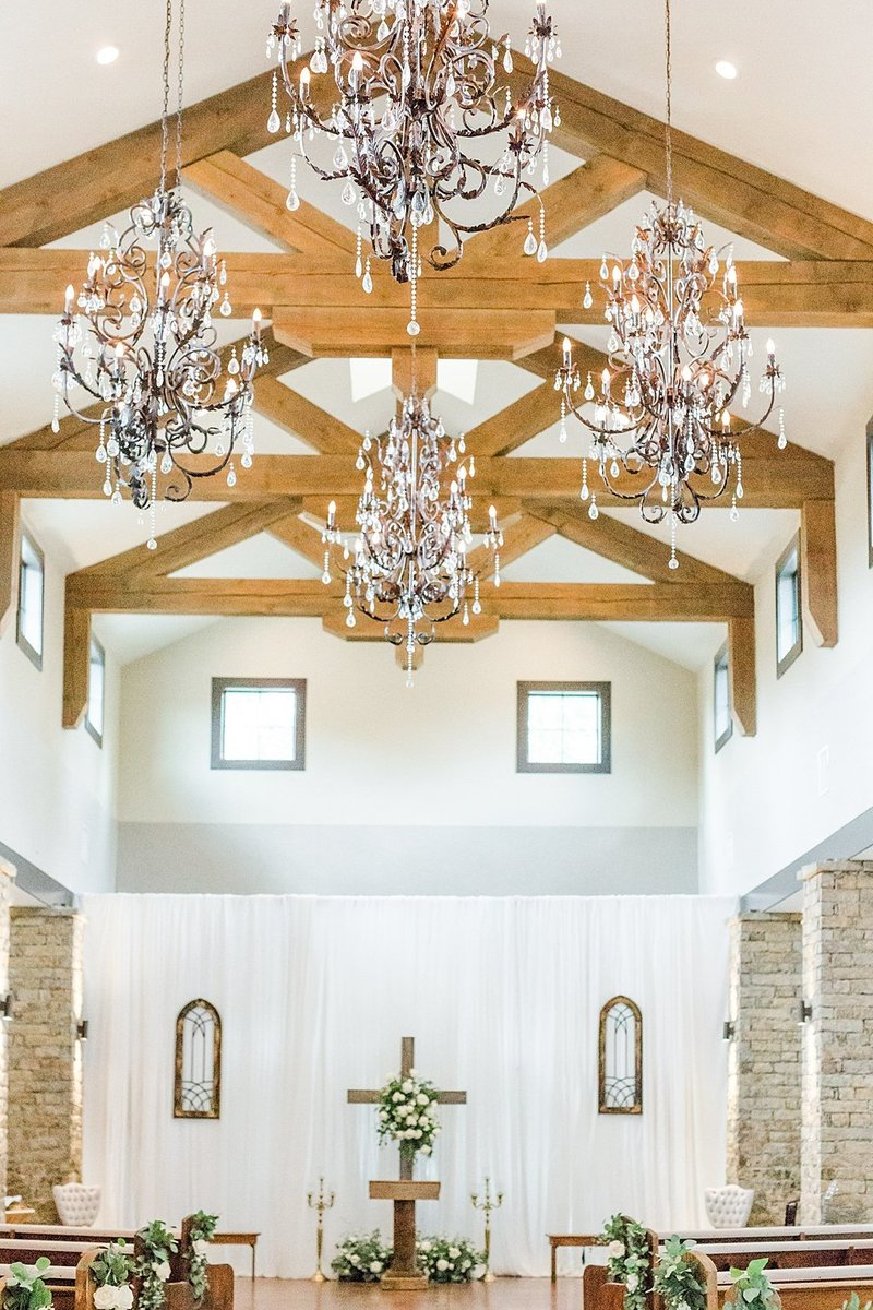 The Lodge at Country Inn and Cottages in Fredericksburg Texas Wedding Venue photos by Allison Jeffers Photography_0027