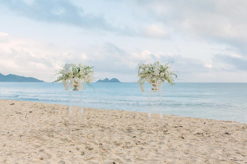 acrylic pedestals - wedding rental-Hawaii beach wedding_