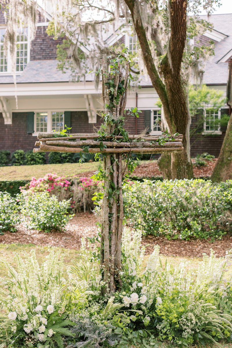 flowered-ceremony-cross