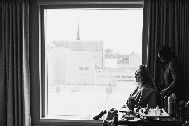 Wedding-Christmas-Bride-Getting-Ready-Omni-Hotel-Louisville-Kentucky-Photo-By-Uniquely-His-Photography053