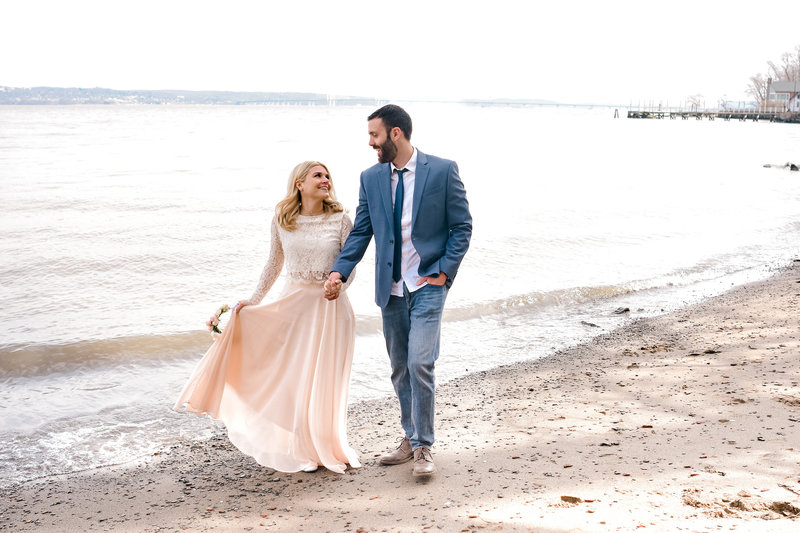 romantic beach session during engagement pictures in hudson valley, new york