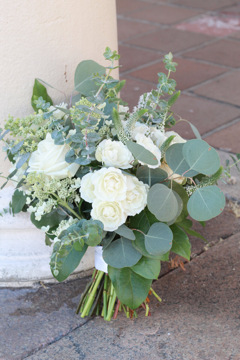 florist-greenwich-new-york-connecticut-designer-preservation-floral-wedding-westchester-bouquet-hydrangea-ivory-neutral-eucalyptus-11