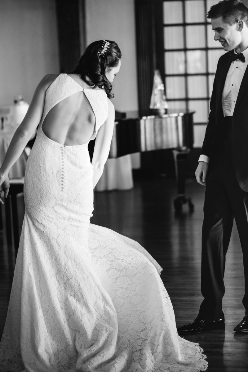 kyra-rane-photography-appleton-wedding-photographer-2017-young-wedding-dress-bw_(1_of_1)