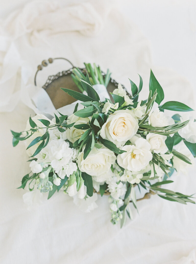 Brianna Chacon + Michael Small Wedding_The Ivory Oak_Madeline Trent Photography_0006