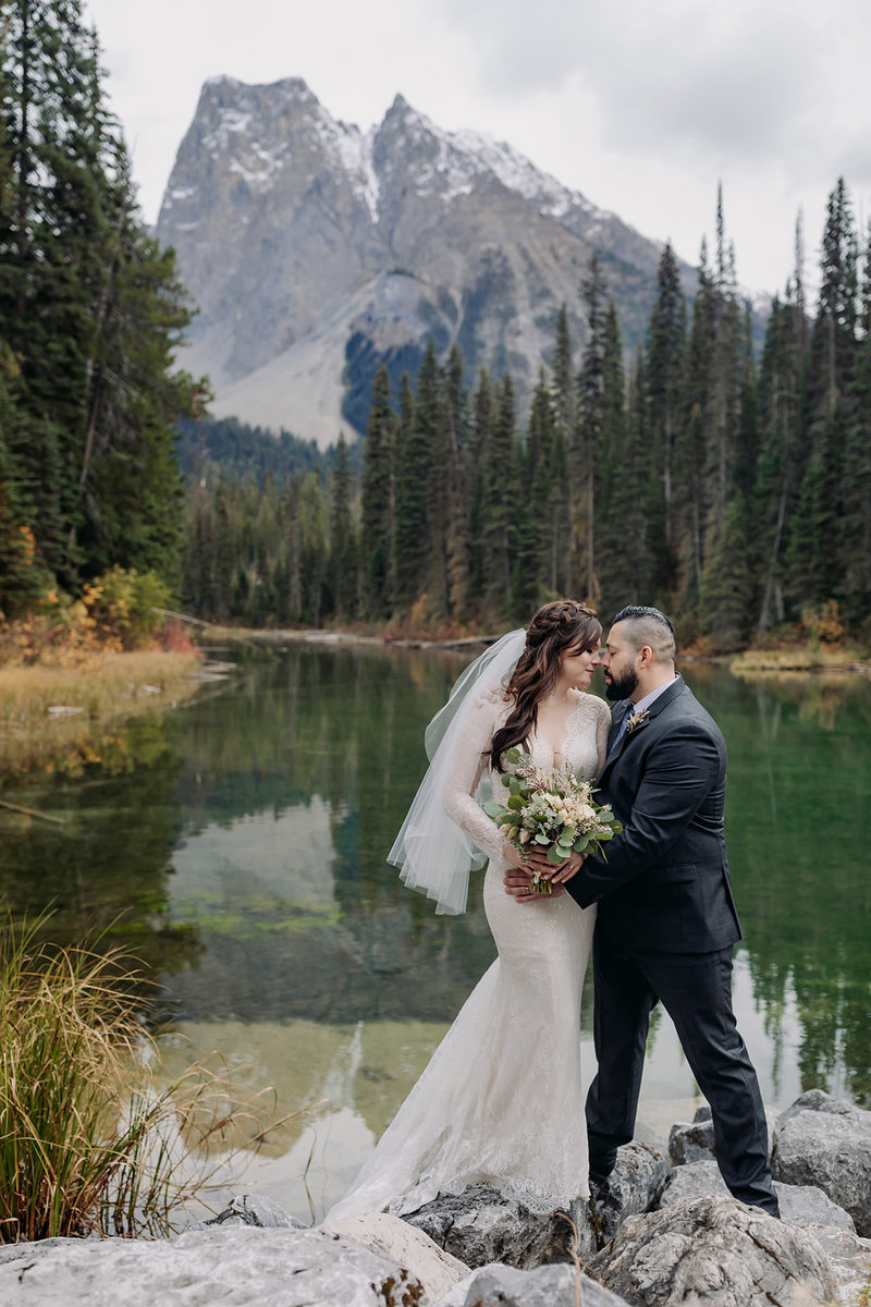 vintage emerald lake lodge summer elopement wedding photos