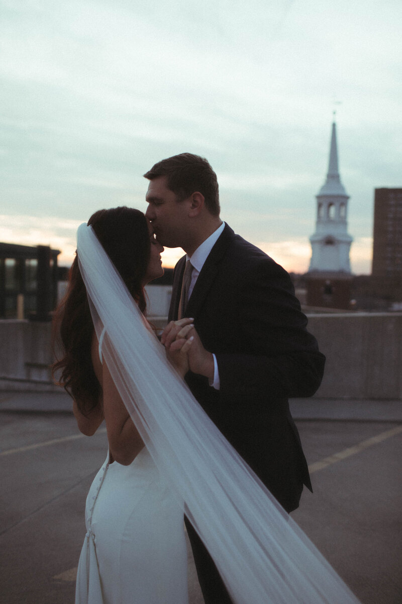 rooftop wedding by philadelphia wedding photographer bobbi phelps