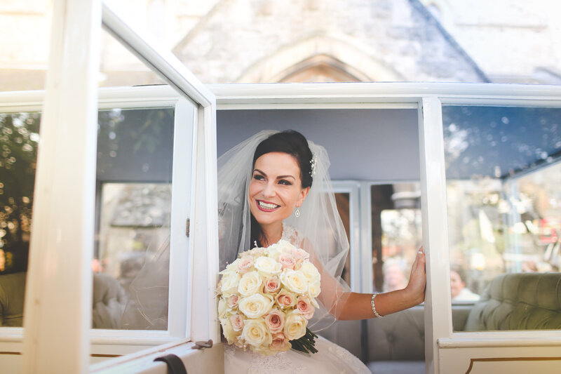 EW-BRIDE-ARRIVING-AT-CHURCH-HORSE_AND-CARRIAGE-0033