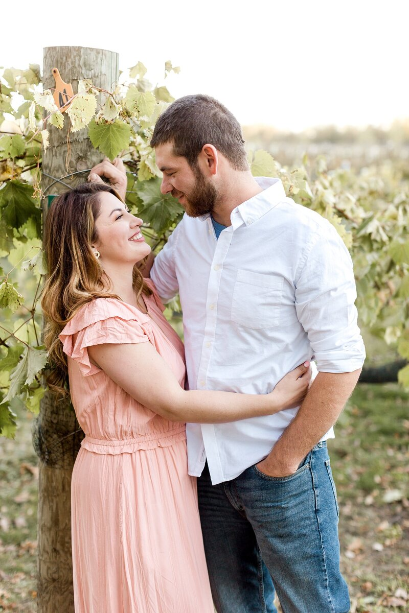 minneapolis-vineyard-engagement-photos-where-to-take-alexandra-robyn-photo_0010