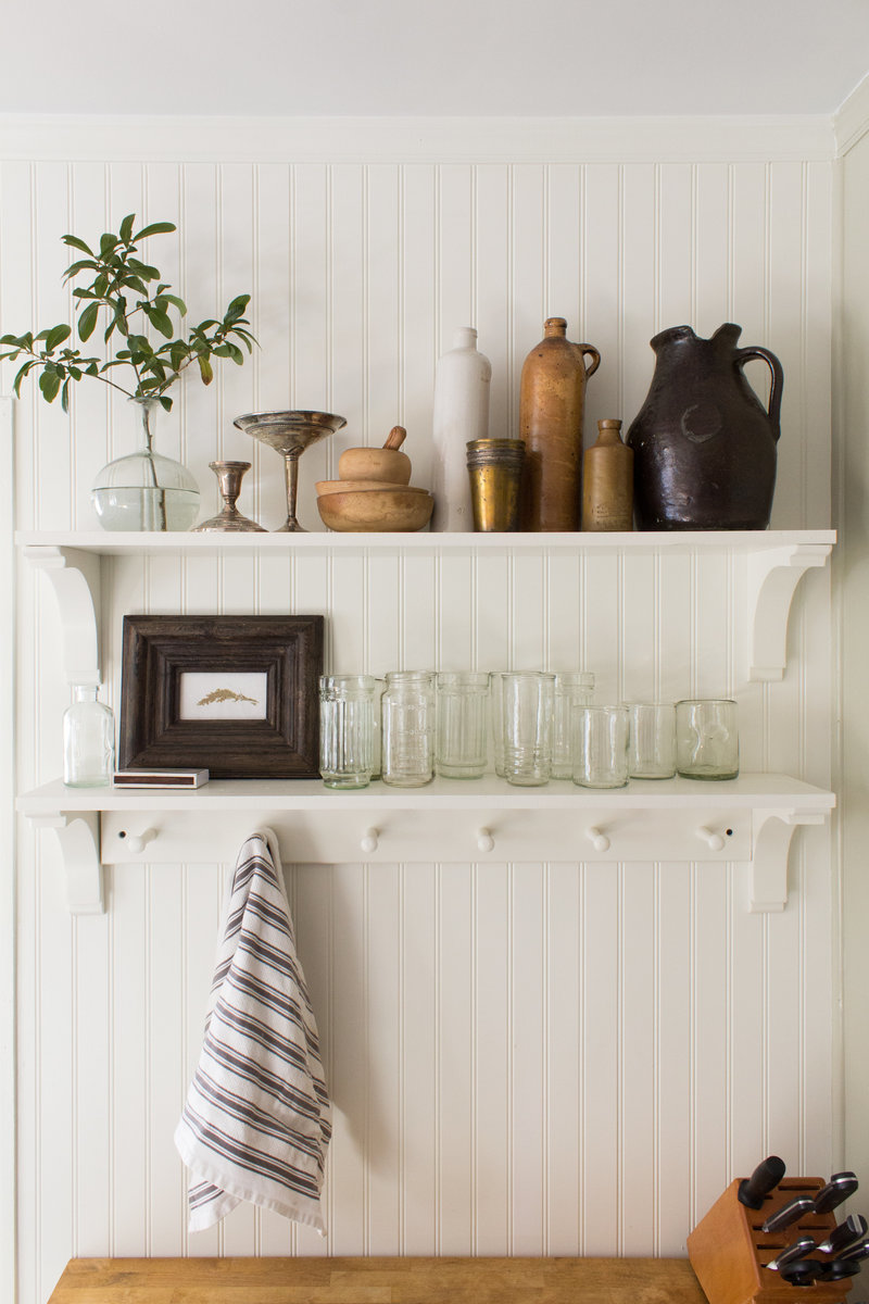 open-shelving-styling-small-kitchen