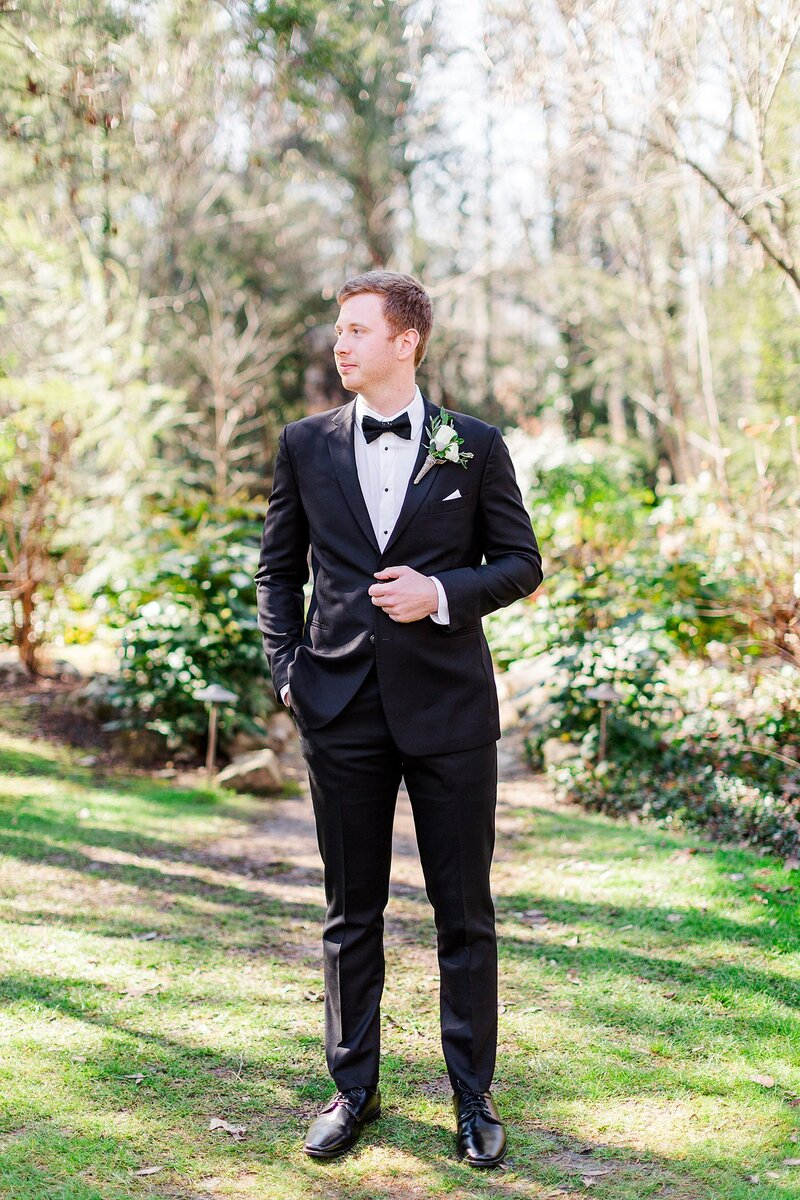groom portrait by Knoxville Wedding Photographer, Amanda May Photos