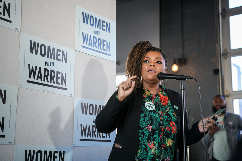 Yvette Nicole Brown introducing Elizabeth Warren 2020 democratic presidential primary