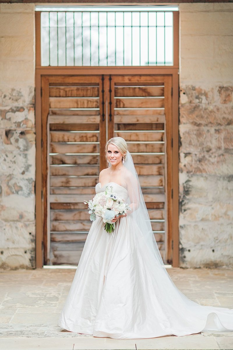 The Ingenhuette on High in Comfort Texas Wedding Venue photos by Allison Jeffers Photography_0040