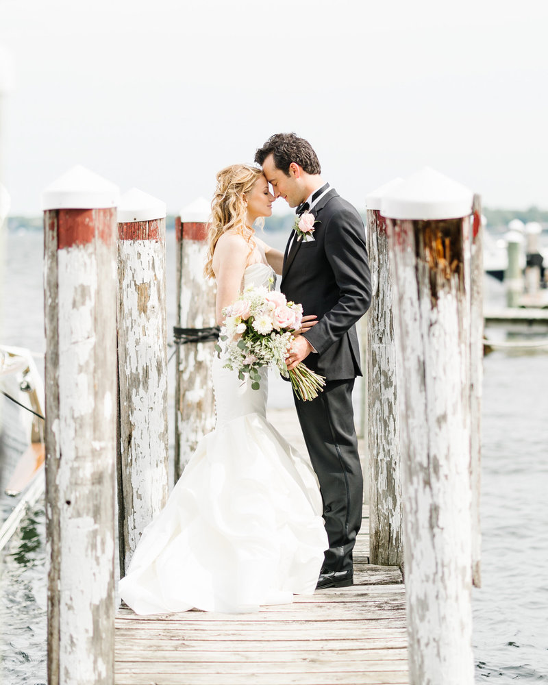 Lake-Minnetonka-Lafayette-Club-Wedding-Dock-Photo